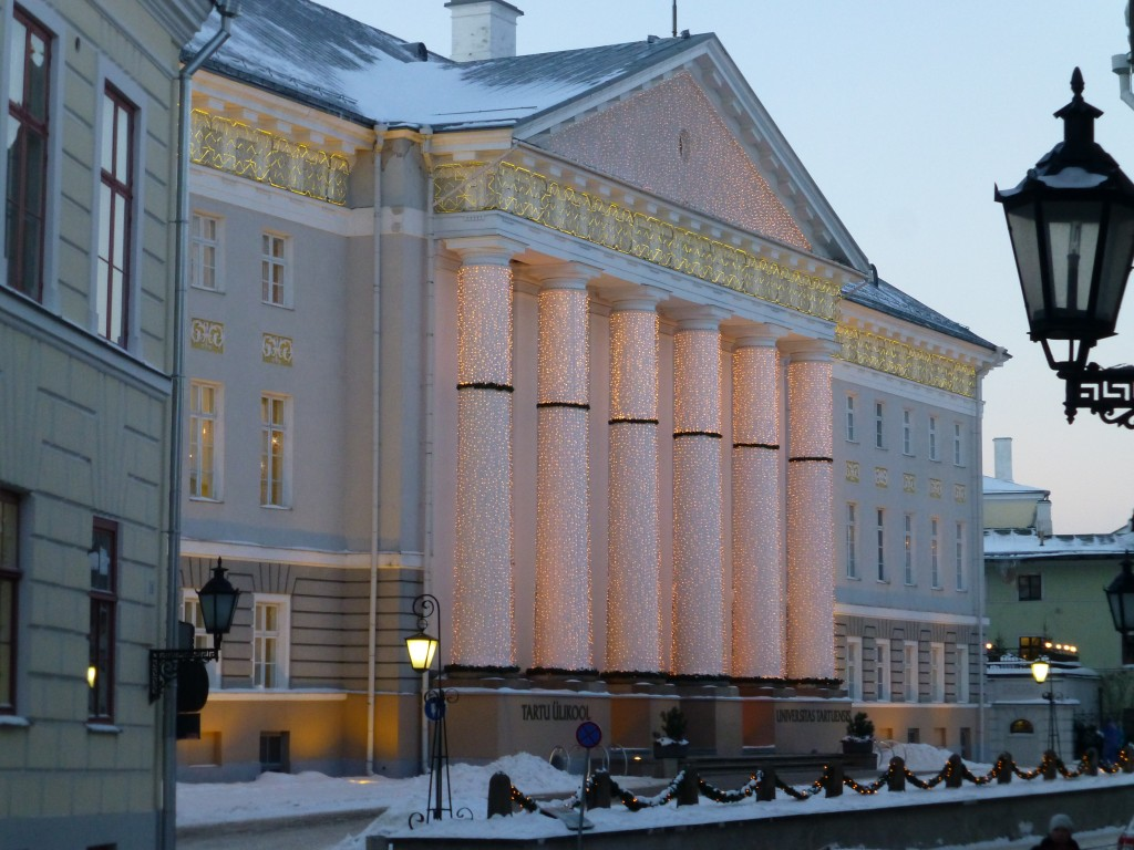 Tartu University main building decorated for Christmas.